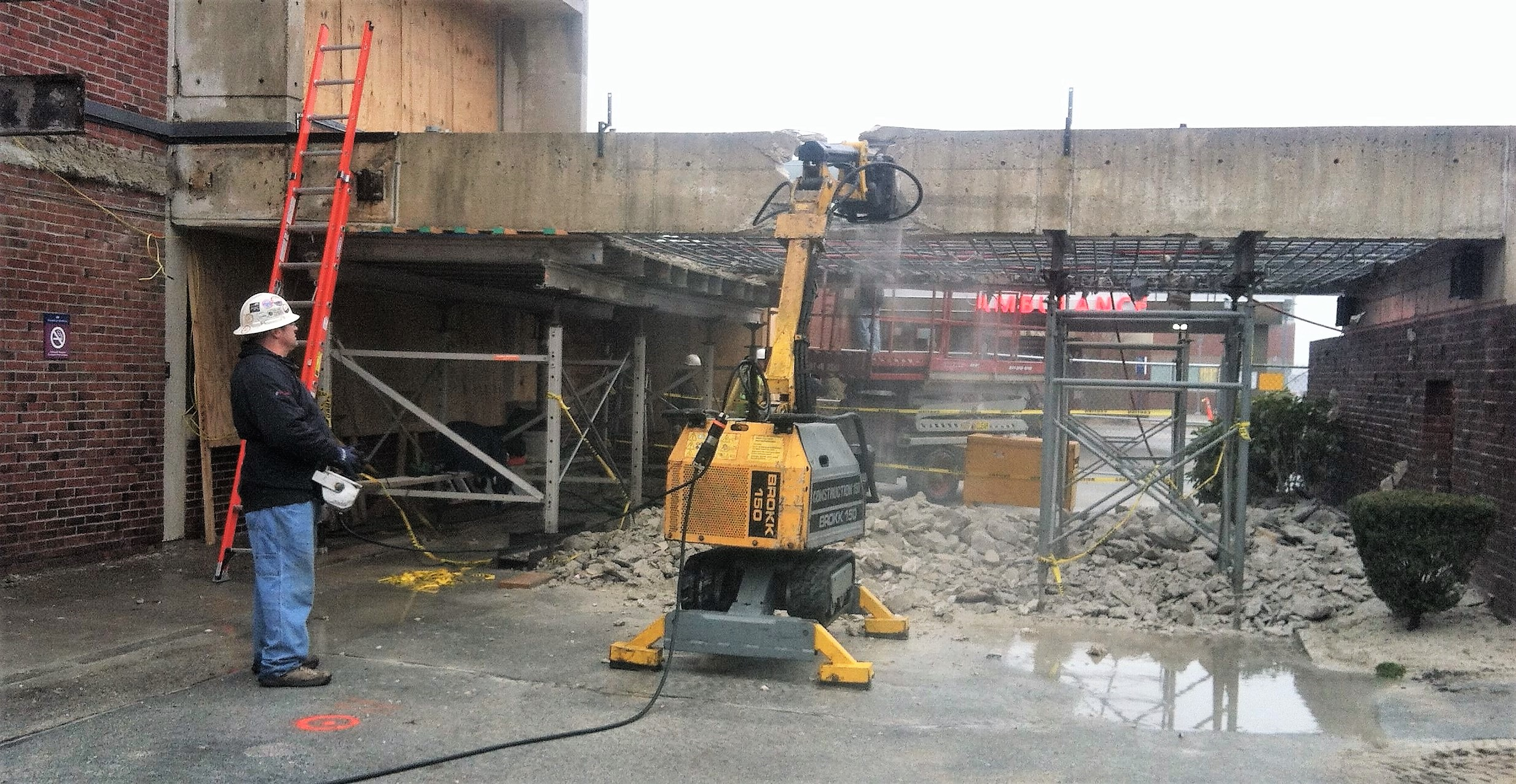 Brokk 150 Wall Sawing